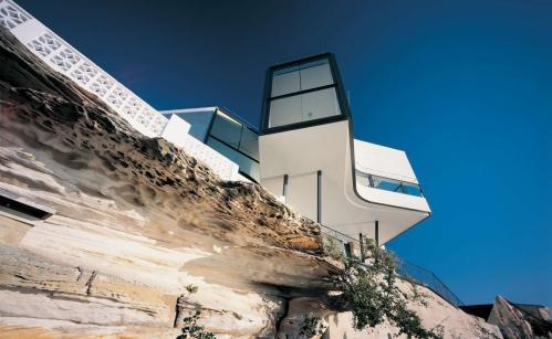 Жизнь на грани: потрясающая вилла Holman House